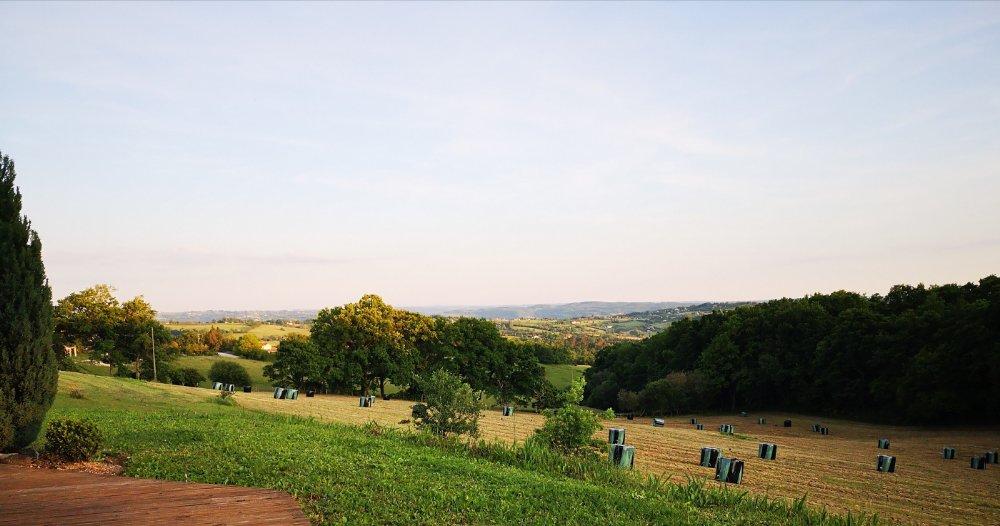 Aire camping-car à Figeac (46100) - Photo 1